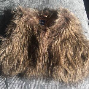 Gap size 4t Fur Vest